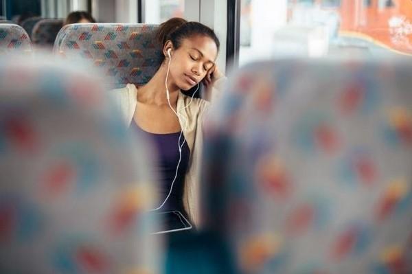 listening music traffic